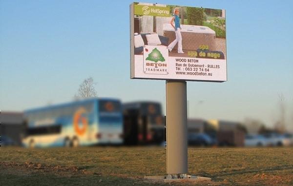 Ecran led publicitaire bord de route