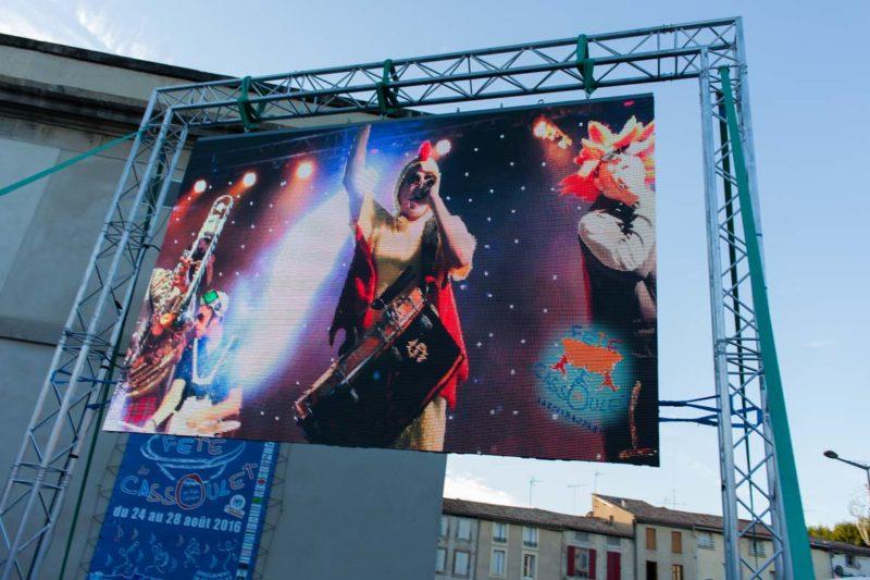 Ledoneo installe un écran géant pour la 17ème fête du Cassoulet à Castelnaudary