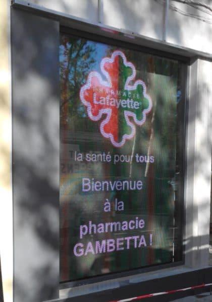 Ecran de vitrine Ledoneo - Pharmacie Gambetta Narbonne
