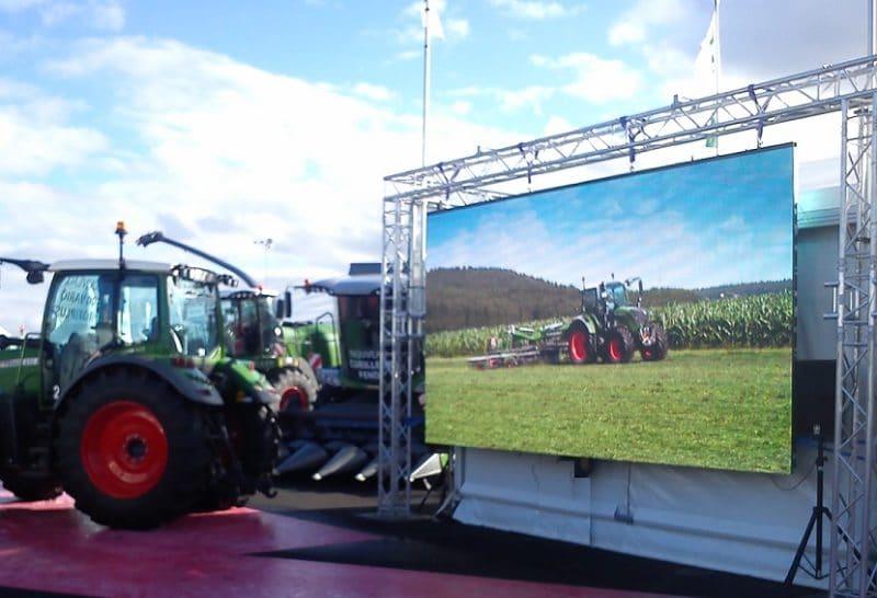 Ecran géant Ledoneo pour le salon du Sommet de l'élevage à Clermont Ferrand