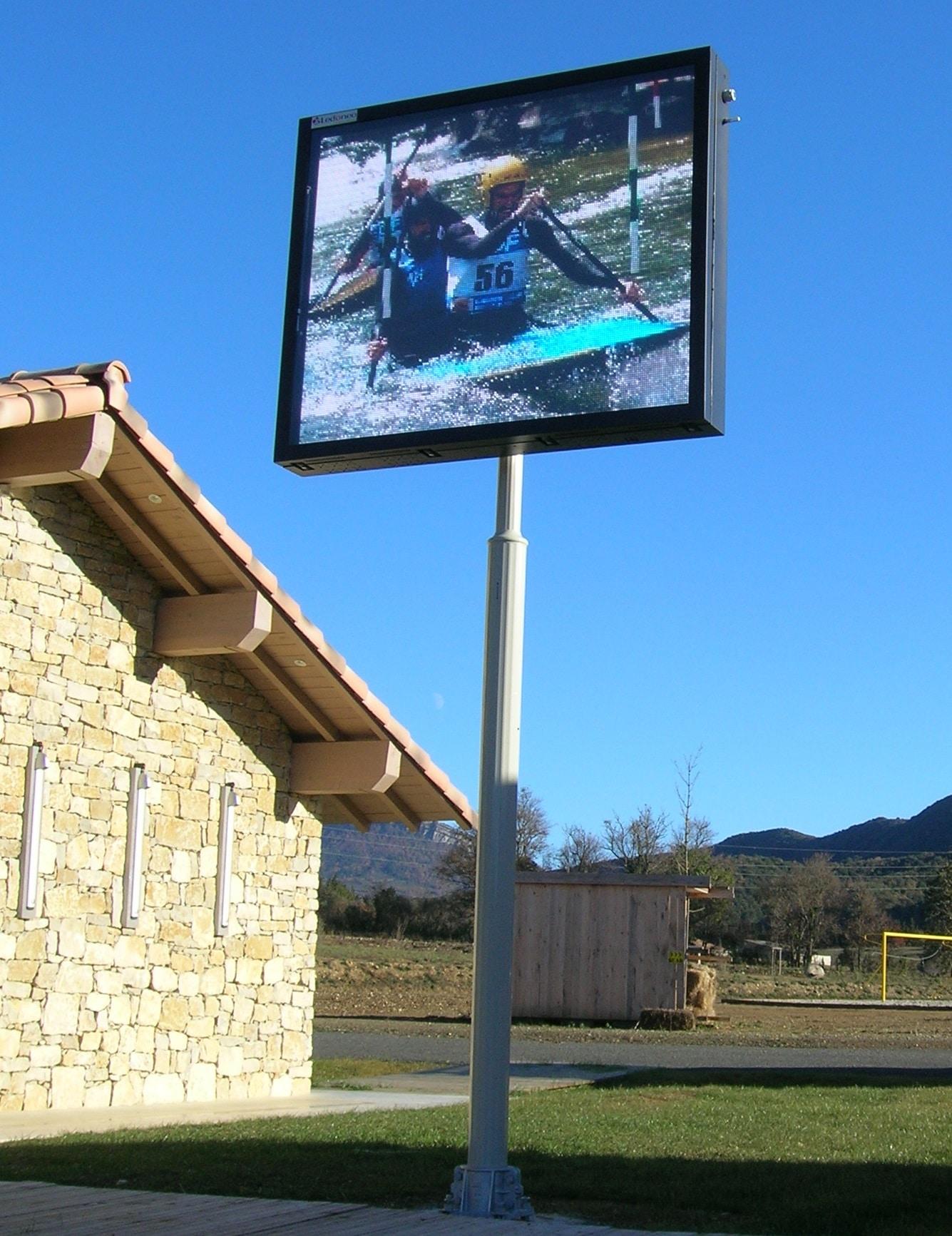 Panneau d'information ou borne électronique pour mairies et collectivités